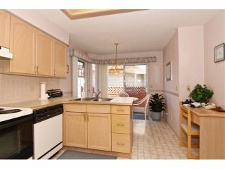 """Photo 9: 6 9163 FLEETWOOD Way in Surrey: Fleetwood Tynehead Townhouse for sale in """"Fountains of Guildford"""" : MLS®# F1323715"""