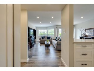 """Photo 7: 116 31955 OLD YALE Road in Abbotsford: Abbotsford West Condo for sale in """"Evergreen Village"""" : MLS®# R2620283"""