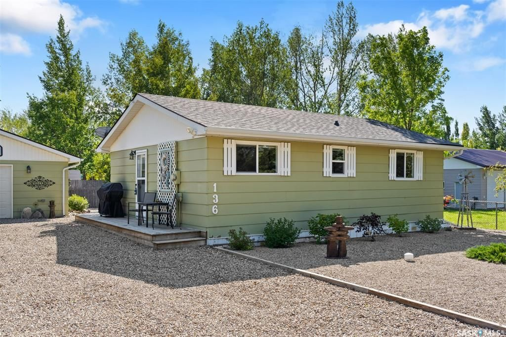 Main Photo: 136 PERCH Crescent in Island View: Residential for sale : MLS®# SK869692