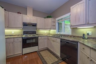Photo 11: 34 1555 HIGHBURY Avenue in London: East A Residential for sale (East)  : MLS®# 40138511