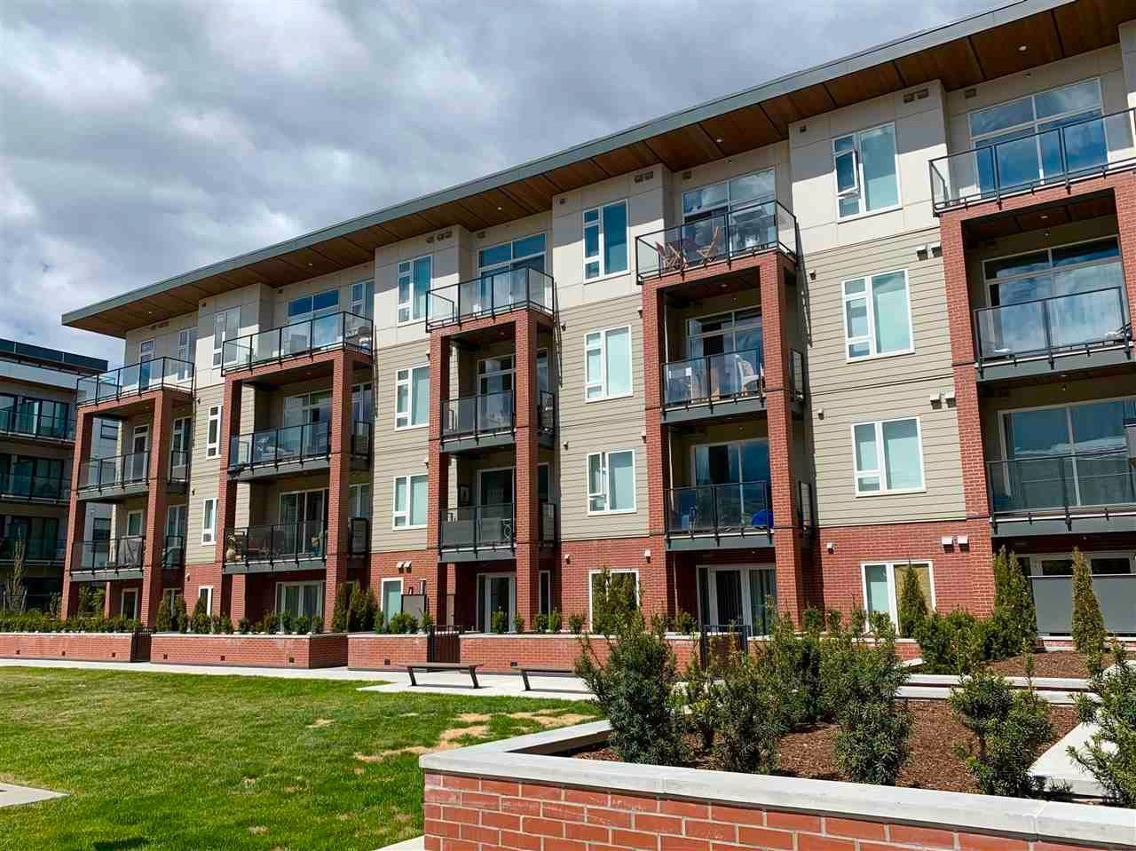 """Main Photo: 112 885 UNIVERSITY Drive in No City Value: Out of Town Condo for sale in """"Creston House"""" : MLS®# R2578807"""