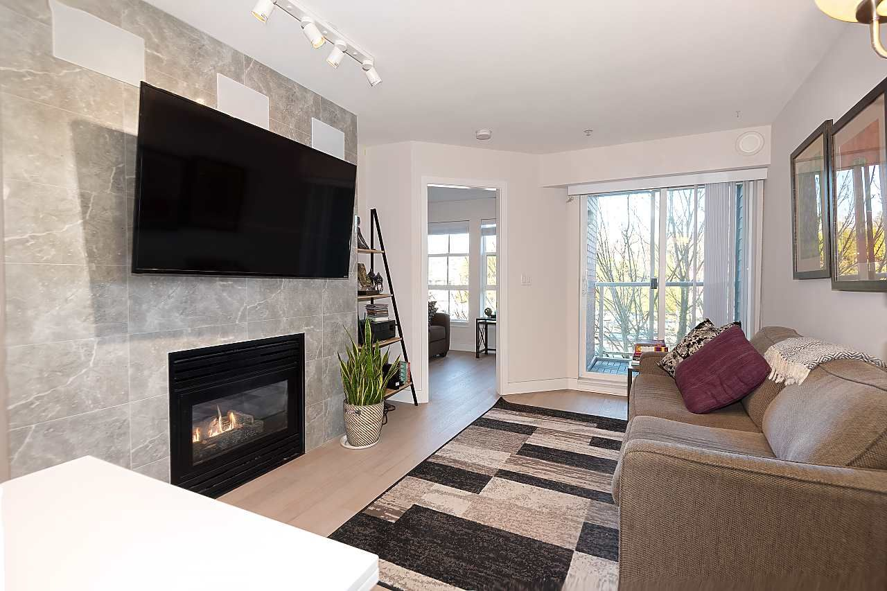 """Photo 2: Photos: 310 5723 COLLINGWOOD Street in Vancouver: Southlands Condo for sale in """"The Chelsea"""" (Vancouver West)  : MLS®# R2521366"""
