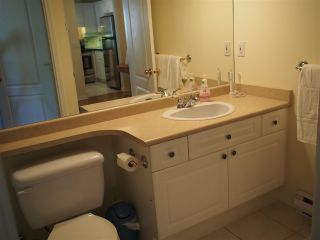"""Photo 17: 302 130 W 22ND Street in North Vancouver: Central Lonsdale Condo for sale in """"The Emerald"""" : MLS®# R2078620"""