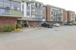 """Photo 2: 203 32040 PEARDONVILLE Road in Abbotsford: Abbotsford West Condo for sale in """"Dogwood Manor"""" : MLS®# R2166027"""
