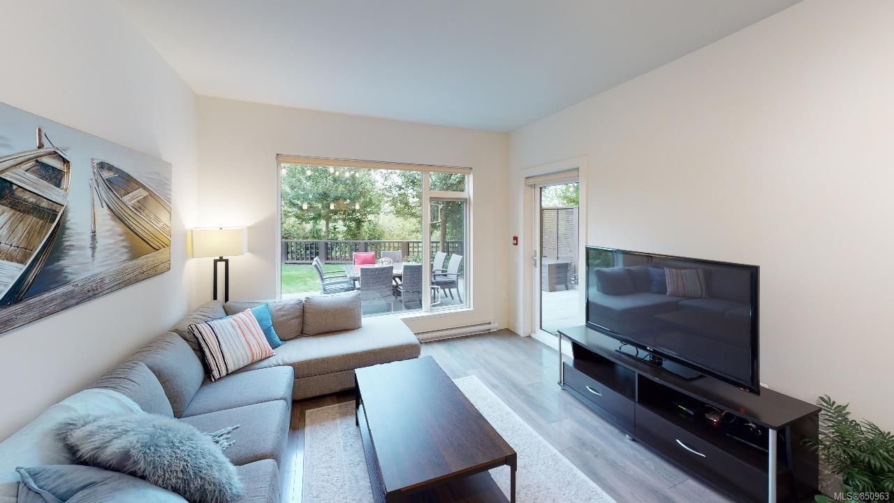 Main Photo: 106 3811 Rowland Ave in : SW Tillicum Condo for sale (Saanich West)  : MLS®# 850963