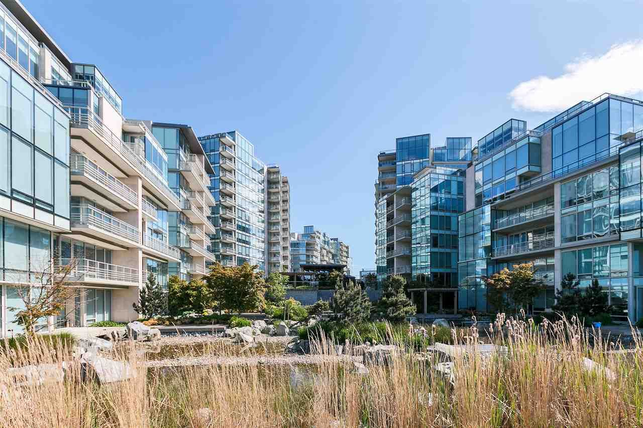 """Main Photo: 408 5199 BRIGHOUSE Way in Richmond: Brighouse Condo for sale in """"RIVER GREEN"""" : MLS®# R2064737"""