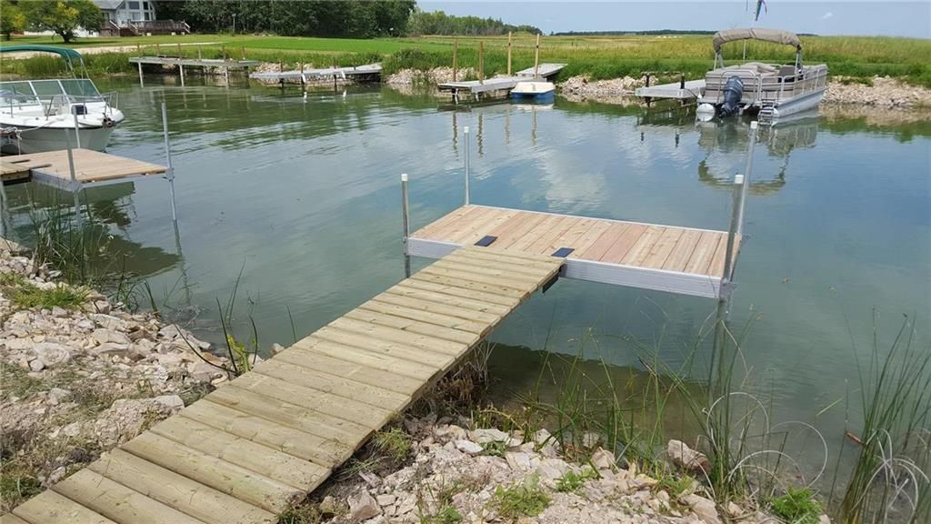 Main Photo: 13 Crossley Bay in The Narrows: Lake Manitoba Narrows Residential for sale (R19)  : MLS®# 202100429
