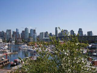 "Photo 2: # 602 1510 W 1ST AV in Vancouver: False Creek Condo for sale in ""MARINER POINT"" (Vancouver West)  : MLS®# V1020236"