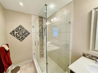 """Photo 22: 13381 MARINE Drive in Surrey: Crescent Bch Ocean Pk. House for sale in """"Ocean Park"""" (South Surrey White Rock)  : MLS®# R2546593"""