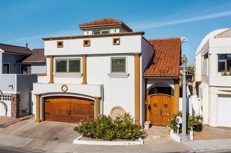 FEATURED LISTING: 9 Sixpence Way Coronado