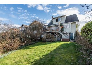 """Photo 11: 3697 W 15TH Avenue in Vancouver: Point Grey House for sale in """"Point Grey"""" (Vancouver West)  : MLS®# V1107915"""