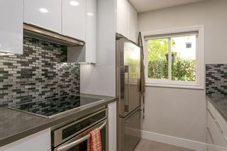 """Photo 3: 103 2588 ALDER Street in Vancouver: Fairview VW Condo for sale in """"BOLLERT PLACE"""" (Vancouver West)  : MLS®# R2304229"""