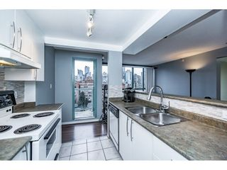 "Photo 6: 1505 907 BEACH Avenue in Vancouver: Yaletown Condo for sale in ""CORAL CRT"" (Vancouver West)  : MLS®# R2229594"