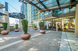 """Photo 5: 2109 1331 ALBERNI Street in Vancouver: West End VW Condo for sale in """"The Lions"""" (Vancouver West)  : MLS®# R2625377"""