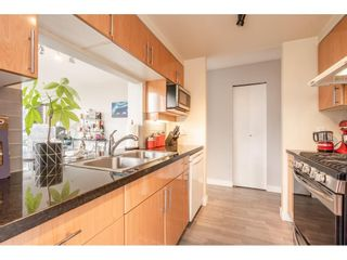"""Photo 6: 607 1077 MARINASIDE Crescent in Vancouver: Yaletown Condo for sale in """"Marinaside Resort"""" (Vancouver West)  : MLS®# R2573754"""