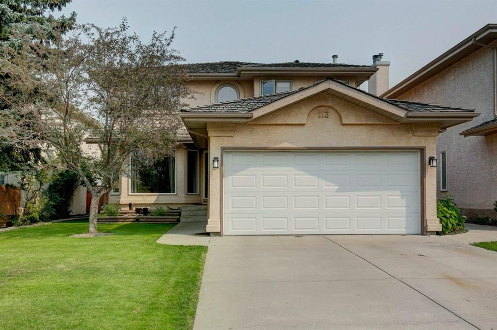 Lovely curb appeal located on quiet cul-de-sac