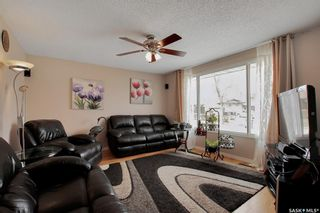 Photo 4: 34 Yingst Bay in Regina: Glencairn Residential for sale : MLS®# SK851579