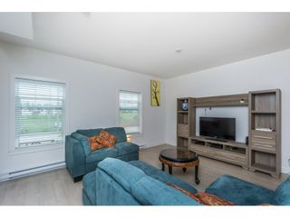 Photo 4: 301 32789 BURTON Avenue in Mission: Mission BC Townhouse for sale : MLS®# R2177756