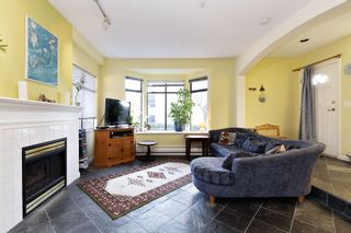 """Photo 3: 17 221 ASH Street in New Westminster: Uptown NW Townhouse for sale in """"PENNY LANE"""" : MLS®# R2531968"""