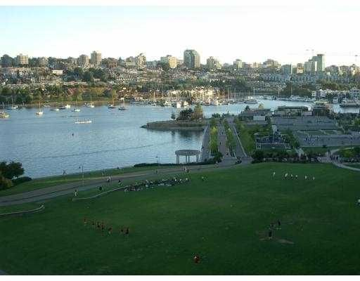 "Main Photo: 11C 199 DRAKE ST in Vancouver: False Creek North Condo for sale in ""CONCORDIA 1"" (Vancouver West)  : MLS®# V542014"