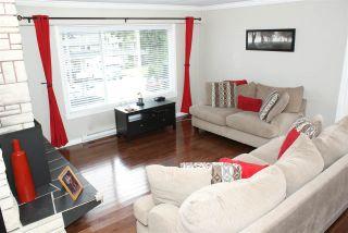 Photo 3: 555 55A STREET in Delta: Pebble Hill House for sale (Tsawwassen)  : MLS®# R2481635