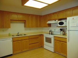 Photo 4: 110-249 Gladwin Road: Condo for sale (Abbotsford)  : MLS®# R2217736