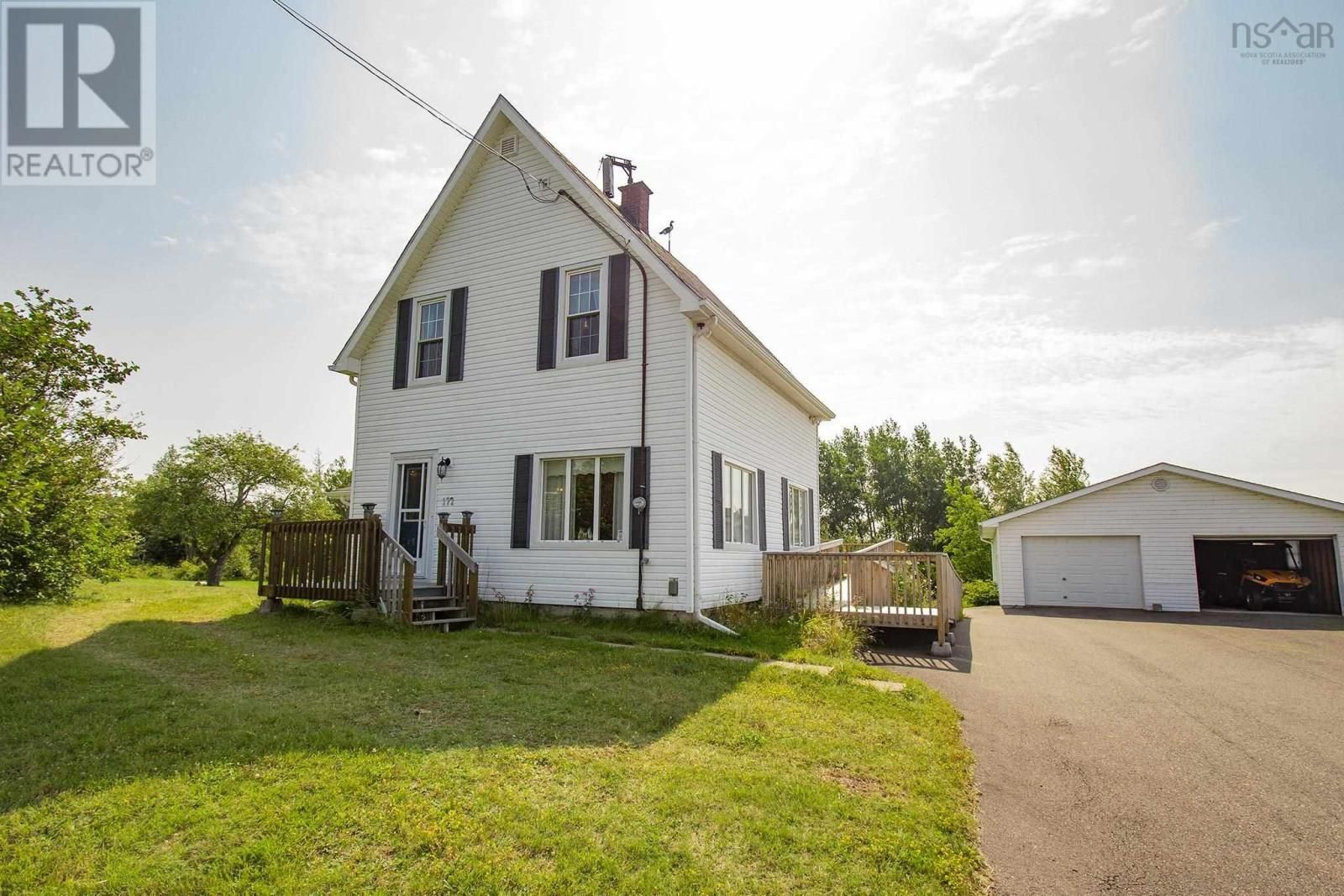 Main Photo: 172 South Albion Street in Amherst: House for sale : MLS®# 202120387