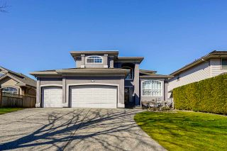 Main Photo: 9147 207 Street in Langley: Walnut Grove House for sale : MLS®# R2565776