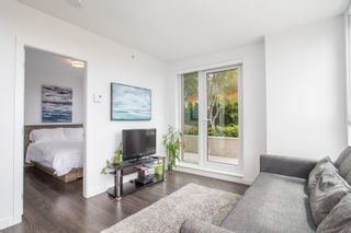 "Photo 3: 806 933 E HASTINGS Street in Vancouver: Strathcona Condo for sale in ""STRATHCONA VILLAGE"" (Vancouver East)  : MLS®# R2378429"