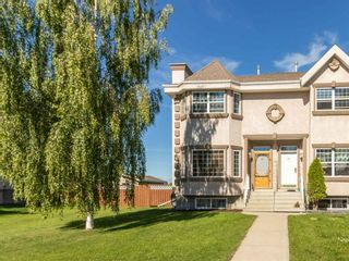 Main Photo: 49 Adams Close: Red Deer Row/Townhouse for sale : MLS®# A1124894