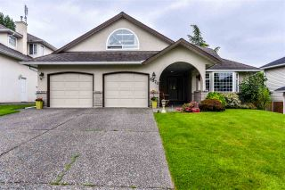 """Photo 1: 6570 CLAYTONHILL Place in Surrey: Cloverdale BC House for sale in """"Clayton Hill Estates"""" (Cloverdale)  : MLS®# R2374595"""