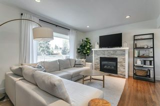 Photo 4: 40 Grafton Drive SW in Calgary: Glamorgan Detached for sale : MLS®# A1131092