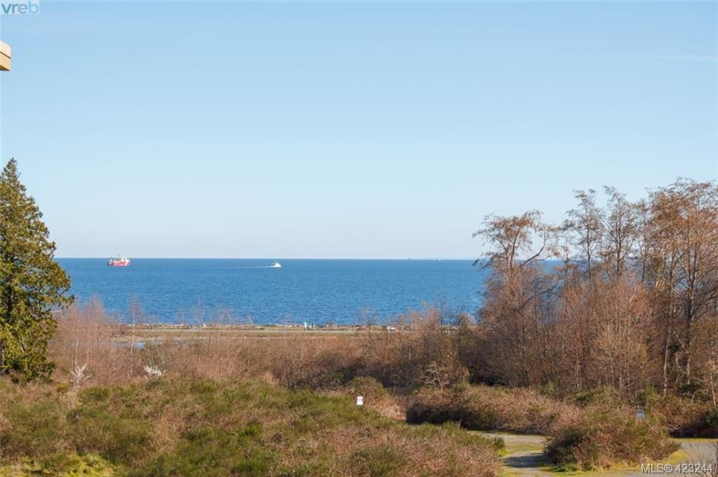 Main Photo: 404 3223 Selleck Way in VICTORIA: Co Lagoon Condo for sale (Colwood)  : MLS®# 835790