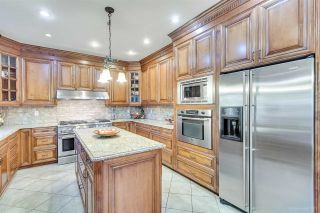 """Photo 10: 3689 LYNNDALE Crescent in Burnaby: Government Road House for sale in """"Government Road Area"""" (Burnaby North)  : MLS®# R2315113"""