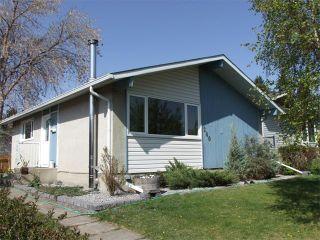 Photo 2: 240 VAN HORNE Crescent NE in Calgary: Vista Heights House for sale : MLS®# C4012124