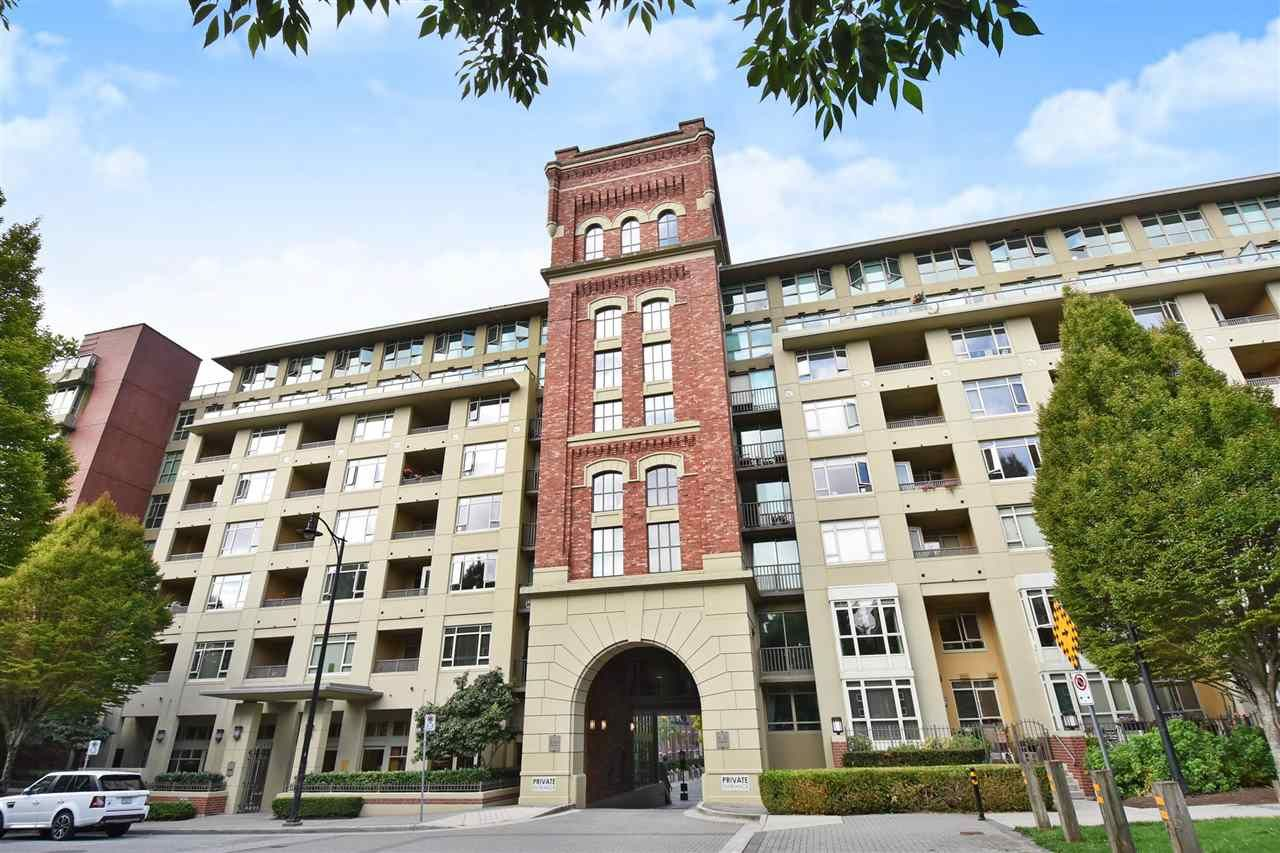 """Main Photo: 810 2799 YEW Street in Vancouver: Kitsilano Condo for sale in """"TAPESTRY AT ARBUTUS WALK"""" (Vancouver West)  : MLS®# R2534721"""