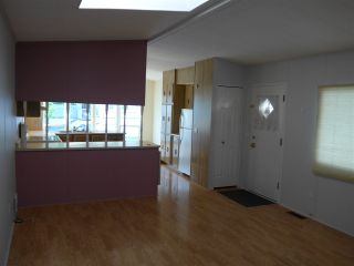 """Photo 20: 29 2120 KING GEORGE Boulevard in Surrey: King George Corridor Manufactured Home for sale in """"Five Oaks Park"""" (South Surrey White Rock)  : MLS®# R2485760"""