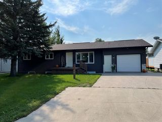 Photo 1: 18 Westwood Crescent in Altona: House for sale : MLS®# 202121974