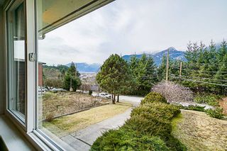 Photo 2: 38100 CLARKE Drive in Squamish: Hospital Hill House for sale : MLS®# R2340968