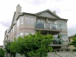 FEATURED LISTING: 204 - 131 20TH Street West North Vancouver
