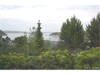 Photo 1: 602 6880 Wallace Dr in BRENTWOOD BAY: CS Brentwood Bay Row/Townhouse for sale (Central Saanich)  : MLS®# 288724