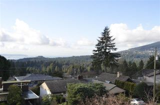 Photo 11: 660 BLUERIDGE AVENUE in NORTH VANCOUVER: Canyon Heights NV House for sale (North Vancouver)  : MLS®# R2035176