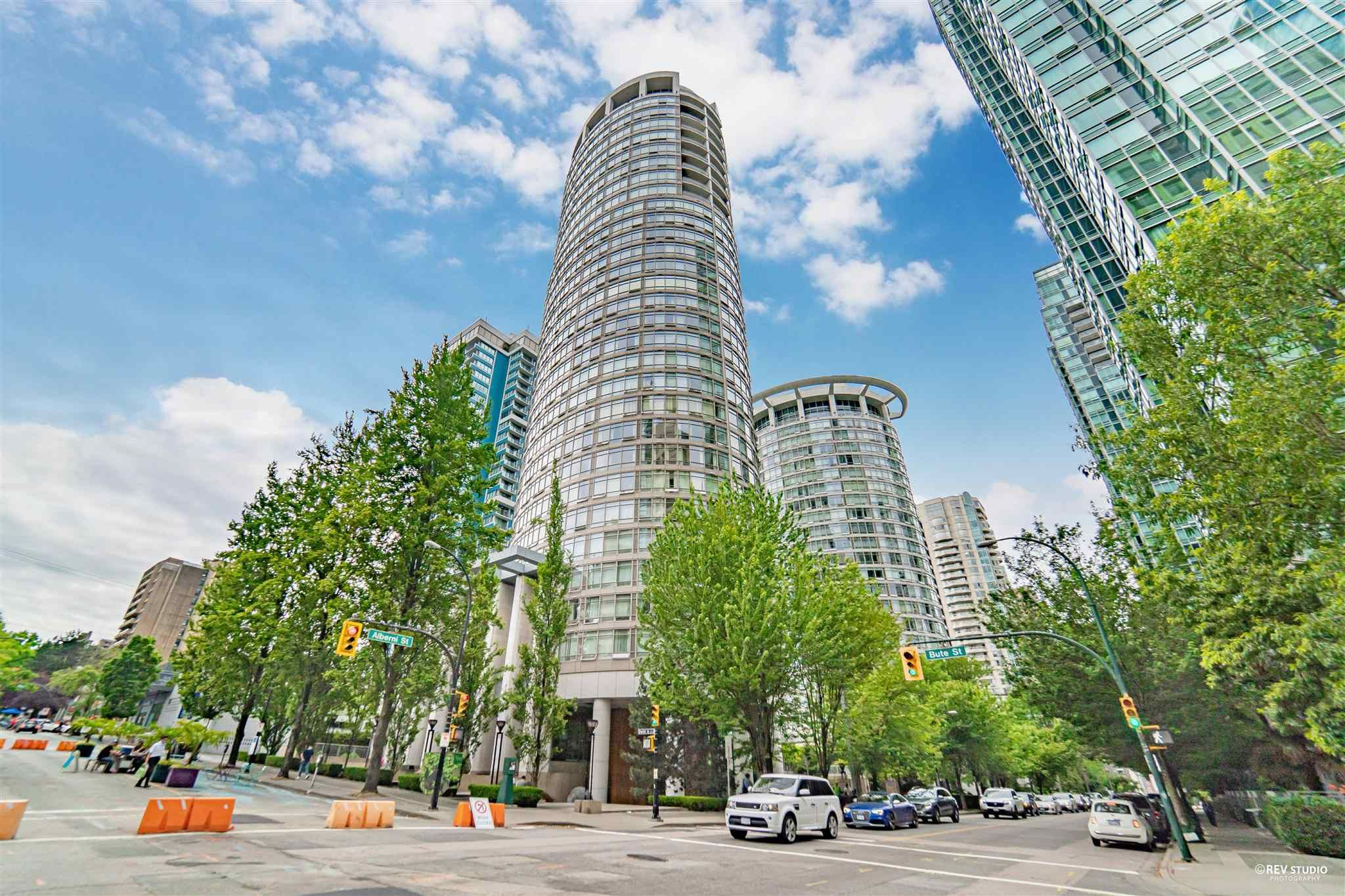"""Main Photo: 3101 1200 ALBERNI Street in Vancouver: West End VW Condo for sale in """"PALISADES"""" (Vancouver West)  : MLS®# R2601239"""