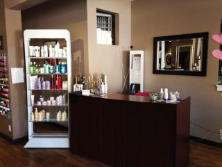 Photo 2: ~ Salon and Spa: Commercial for sale : MLS®# C8008543