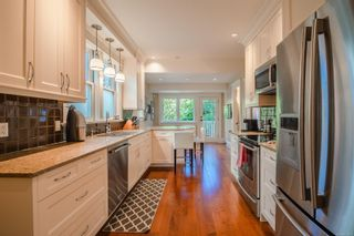Photo 11: 1034 Princess Ave in : Vi Central Park House for sale (Victoria)  : MLS®# 877242