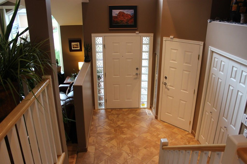 Photo 3: Photos: 3581 Navatanee Drive in Kamloops: Rivershore Estates House for sale : MLS®# 117351