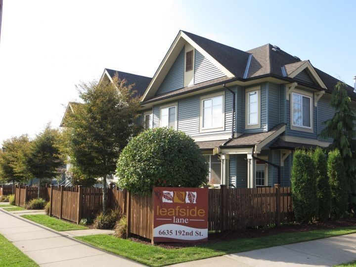 """Main Photo: 5 6635 192 Street in Surrey: Clayton Townhouse for sale in """"Leaf Side"""" (Cloverdale)  : MLS®# R2209780"""