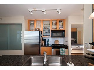 "Photo 8: 2202 969 RICHARDS Street in Vancouver: Downtown VW Condo for sale in ""Mondrian II"" (Vancouver West)  : MLS®# V1093409"