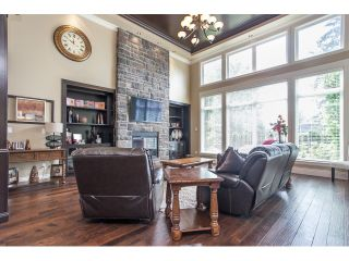 """Photo 8: 31538 KENNEY Avenue in Mission: Mission BC House for sale in """"Golf Course"""" : MLS®# R2077047"""
