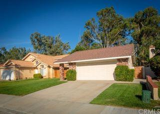 Photo 2: House for sale : 4 bedrooms : 39552 Crystal Lake Court in Murrieta